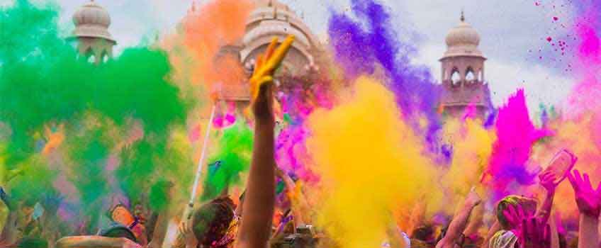 Advantages of buying your holi colors from the best manufacturers
