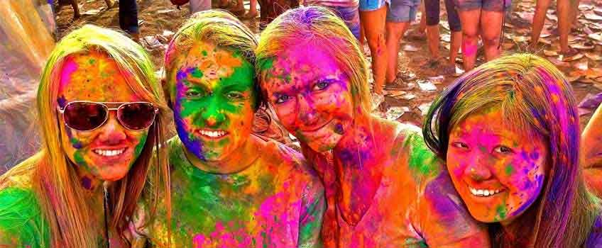 Always buy the best quality powder colors for Holi
